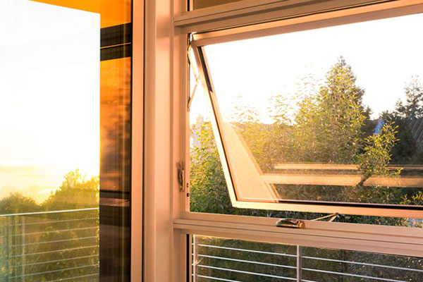 Western Series 670 Awning Window