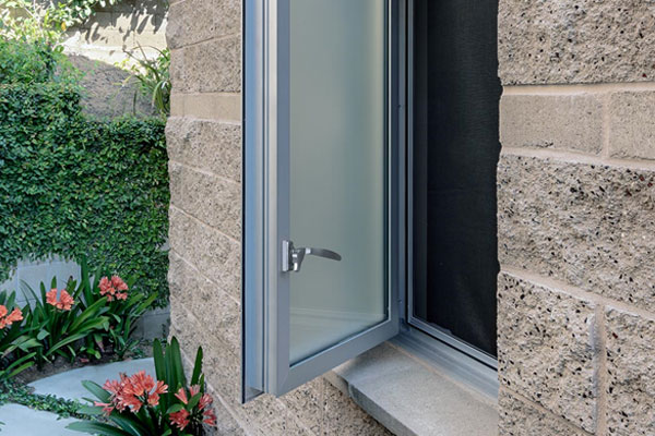 Western Series 670 Push-Out Casement Window